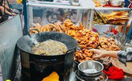 10 địa điểm ăn uống ngon nức tiếng trên đường Vạn Kiếp