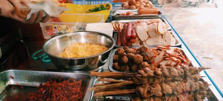 Những địa điểm ăn uống hút khách vì vừa ngon vừa rẻ ở Hà Nội