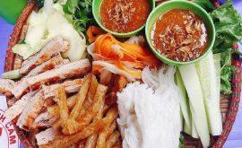 Top 10 địa điểm ăn vặt nổi tiếng khu Cầu Giấy