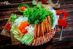 Top 10 món ăn không ngừng hot trong năm 2019 (nem nướng Nha Trang)