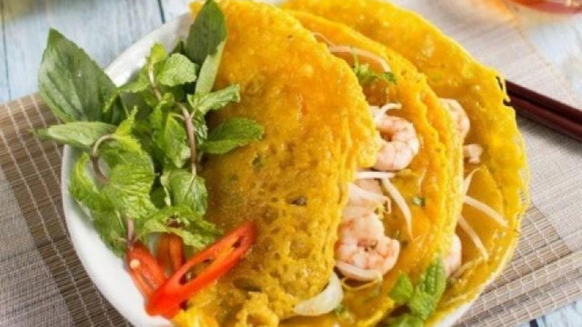 Không chần chừ với list 10 món ăn vặt ngon, hấp dẫn ở Sài Thành, Thủ Đức (bánh xèo)