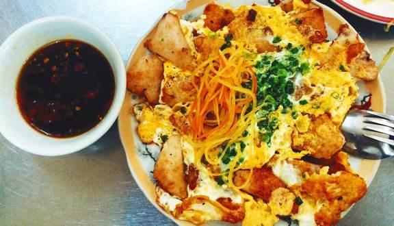 Không chần chừ với list 10 món ăn vặt ngon, hấp dẫn ở Sài Thành, Thủ Đức (bột chiên)
