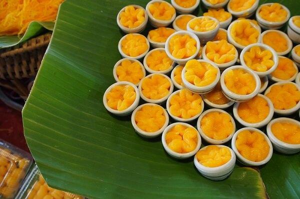 Những đồ ăn vặt Thái Lan phải thử 1 lần trong đời (Tong Yip)