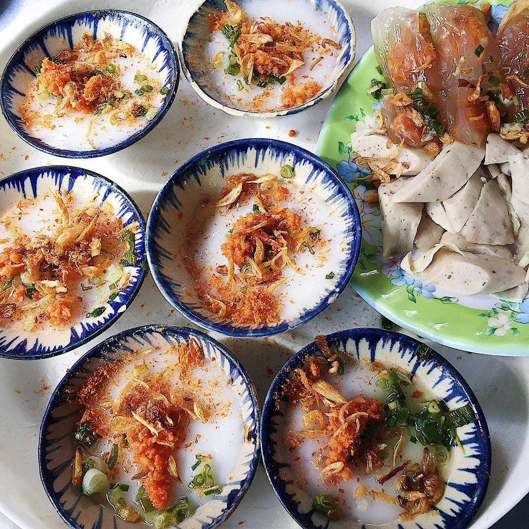 Top 10 quán ăn vặt ở Sài Gòn siêu ngon phải thử một lần (hẻm văn vặt Lê Văn Sỹ)