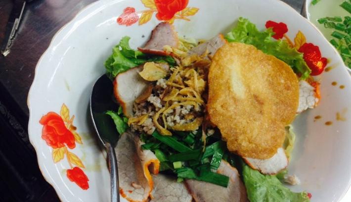 Điểm danh các địa điểm ăn uống Sài Gòn về đêm (mì khô Quảng Châu)