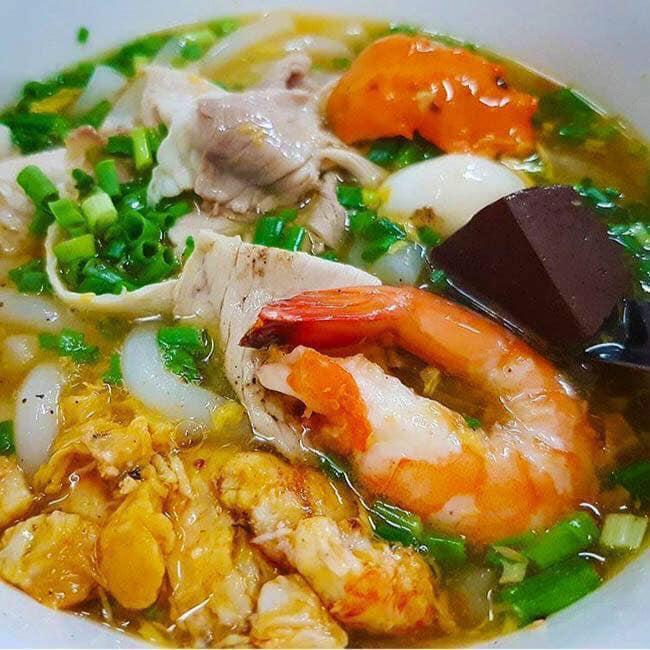 """Không ngon không trả tiền với 10 quán ăn """"gây thương nhớ"""" ở Phú Nhuận (Bánh canh Cô Diệu)"""