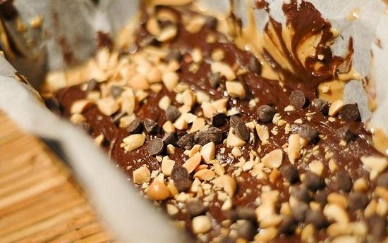 Những món ăn vặt cực ngon nhưng vẫn có thể giảm cân (Đậu phộng và Chocolate)